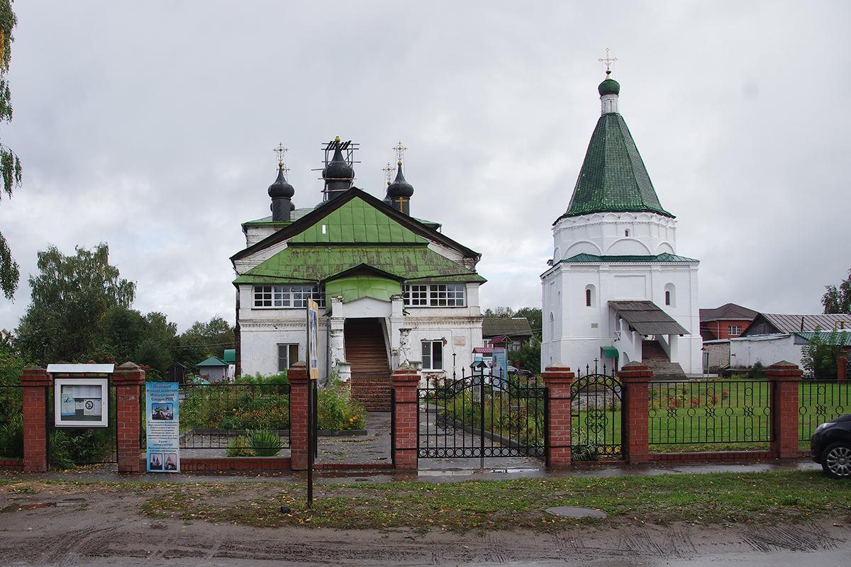 Архиерейское подворье бывшего Покровского мужского монастыря г. Балахны