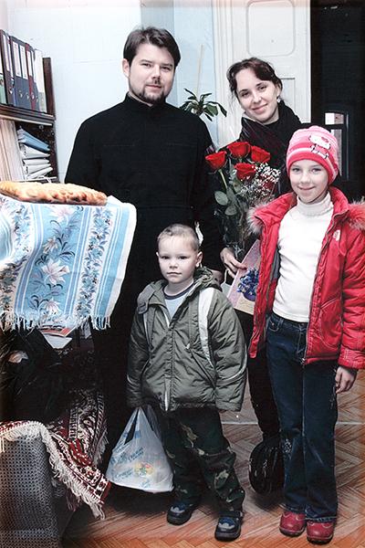 прот. Михаил Сторонкин с  семьей