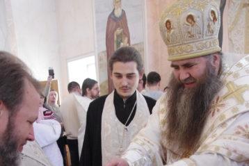 3 декабря. Крещение младенцев в крестильном храме в честь Собора Нижегородских святых (фото Алексея Козориза)