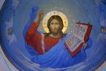 2 января. В храме святого праведного Иоанна Кронштадтского (фото Сергея Лотырева)