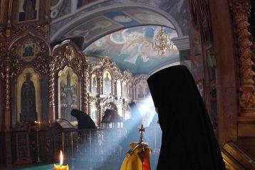 2 февраля. В Троицком соборе Свято-Троицкого Серафимо-Дивеевского монастыря (фото Алексея Козориза)