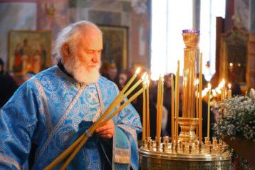 1 апреля. В Троицком соборе Серафимо-Дивеевского монастыря (фото Сергея Лотырева)