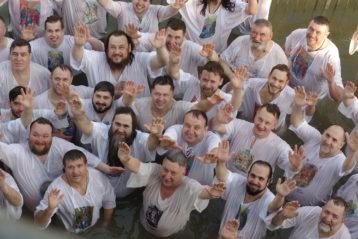 4 апреля. Омовение в водах реки Иордан на месте Крещения Господня (фото Алексея Козориза)