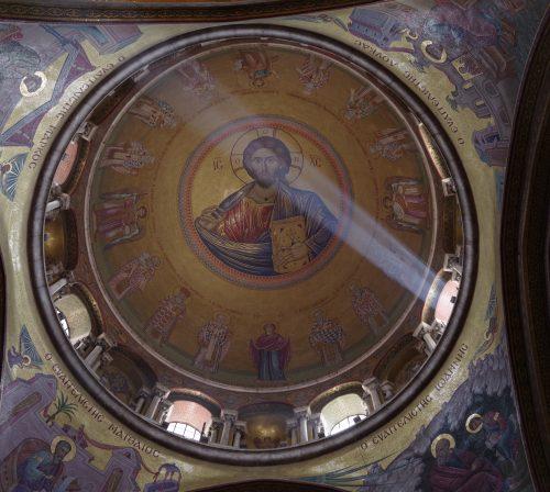 9 апреля. В Храме Гроба Господня в Иерусалиме (фото Алексея Козориза)