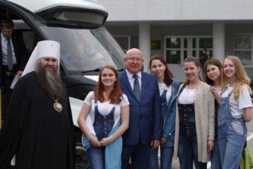 27 мая. Митрополит Георгий принял участие в торжественных мероприятиях, посвященных 87-летию города Дзержинска (фото Алексея Козориза)