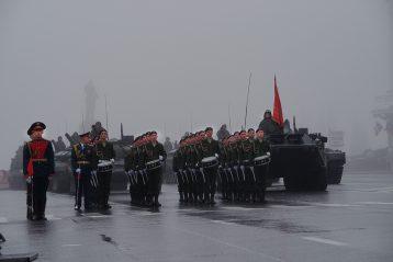 9 мая. Военный парад, посвященный 72-й годовщине Победы в Великой Отечественной войне (фото Алексея Козориза)