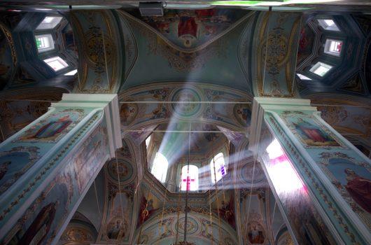 1 июня. В соборе Владимирской иконы Божией Матери Оранского мужского монастыря (фото Алексея Козориза)