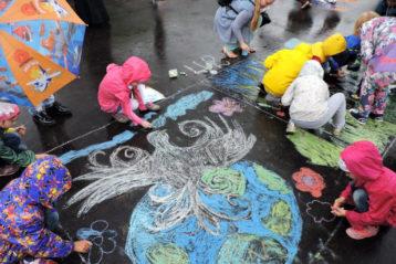 22 июня. Конкурс детских рисунков на асфальте в Нижегородском благочинии (фото Нижегородского благочиния)