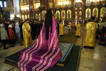12 сентября. В Александро-Невском кафедральном соборе (фото Сергея Лотырева)
