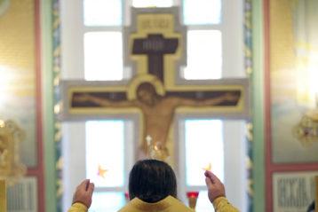 13 декабря. Во время Божественной литургии в храме в честь Владимирской иконы Божией Матери (фото Алексея Козориза)