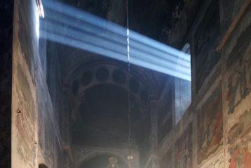 26 декабря. Божественная литургия в Бодбийском монастыре (Грузия) (фото Алексея Козориза)