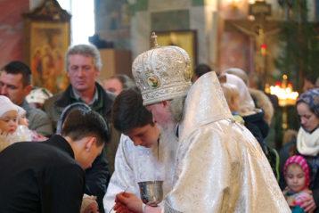 10 января. Божественная литургия в Троицком соборе Серафимо-Дивеевского монастыря (фото Алексея Козориза)