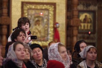 12 января. Во время Рождественского хорового собора в Александро-Невском кафедральном соборе (фото Алексея Козориза)