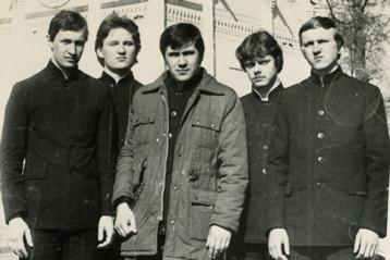 Студенты Московской духовной семинарии.  Василий Данилов— в центре