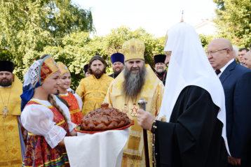 С предстоятелем Русской Православной Церкви на торжествах  в честь 150-летия Патриарха Сергия (Страгородского)