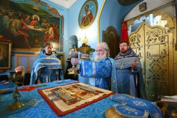 15 февраля. Во время Божественной литургии в Сретенском храме города Балахны (фото Балахнинского благочиния)