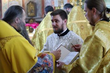 25 февраля. В Александро-Невском кафедральном соборе (фото Алексея Козориза)