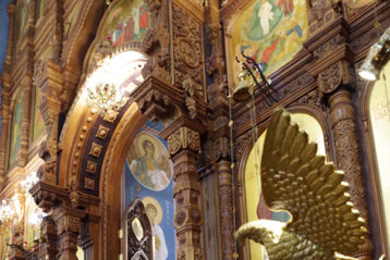 4 февраля. Во время Божественной литургии в Александро-Невском кафедральном соборе (фото Алексея Козориза)