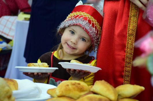 17 февраля. На XI Международной православной выставке-ярмарке «Широкая Масленица» (фото телекомпании «Луч»)