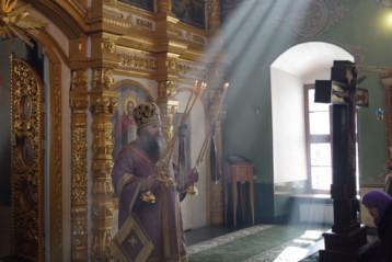 17 марта. Божественная литургия в нижегородском соборном храме во имя Пресвятой Живоначальной Троицы (фото Алексея Козориза)