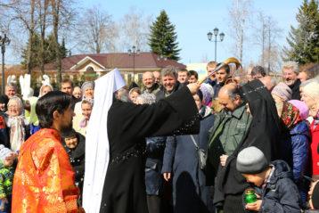 12 апреля. Крестный ход в Дивеевском монастыре (фото Сергея Лотырева)