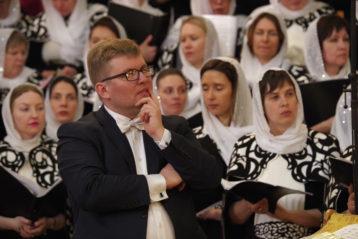 13 апреля. Во время Пасхального хорового собора в Александро-Невском кафедральном соборе (фото Алексея Козориза)