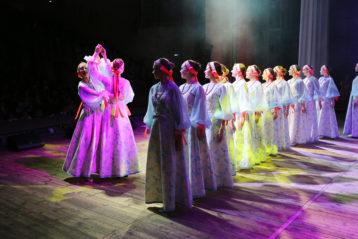 22 апреля. Праздничный концерт, посвященный дню памяти святых жен-мироносиц в ДК ГАЗ (фото Сергея Лотырева)