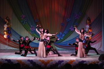 23 апреля. Праздничный концерт, посвященный дню памяти святых жен-мироносиц в ДК имени С. Орджоникидзе (фото Алексея Козориза)