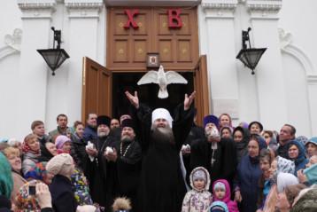 7 апреля. У Староярмарочного собора Нижнего Новгорода (фото Алексея Козориза)