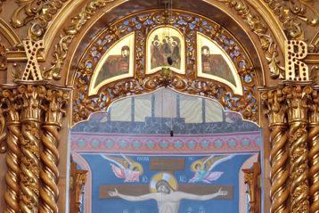 10 августа. Митрополит Георгий во время Божественной литургии в Троицком соборе Дивеевского монастыря (фото Алексея Козориза)