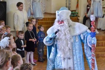 11 января. Рождественская елка в Дзержинске (фото Воскресенского благочиния)