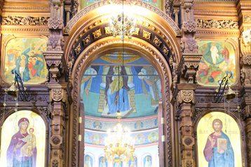 3 марта. Божественная литургия в Александро-Невском кафедральном соборе (фото Сергея Лотырева)