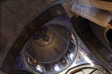 21 апреля. В Храме Гроба Господня в Иерусалиме (фото Алексея Козориза)
