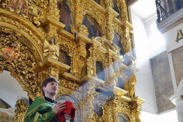 21 апреля. Вербное воскресение в Строгановской церкви (фото Никиты Целовальникова)