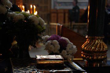 4 апреля. Рака с мощами преподобного Серафима Саровского в Троицком соборе Серафимо-Дивеевского монастыря (фото обители)