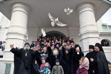 7 апреля. Праздник Благовещения Пресвятой Богородицы в Вознесенском Печерском монастыре (фото обители)