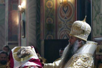 12 сентября. Божественная литургия в Александро-Невском кафедральном соборе (фото Алексея Козориза)