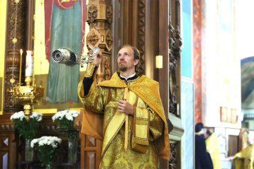 15 сентября. Божественная литургия в Александро-Невском кафедральном соборе Нижнего Новгорода (фото Александра Чурбанова)