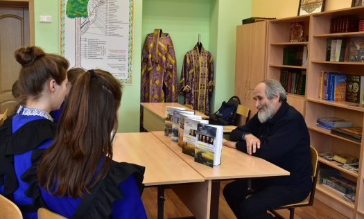 В Сормовской православной гимназии прошла встреча с лысковским педагогом и писателем Николаем Лобастовым