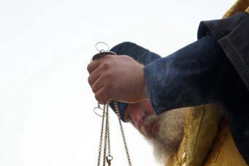 21 октября. Во время освящения поклонного креста в поселке Ленинская Слобода Кстовского района (фото телекомпании «Луч»)