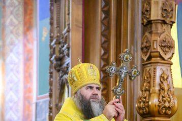 6 декабря. Во время Божественной литургии в Александро-Невском кафедральном соборе Нижнего Новгорода (фото Александра Чурбанова)