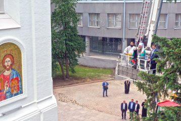 12 июня. Освящение мозаичных икон на колокольне Нижегородского кремля (фото Александра Фролова)