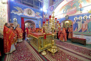 2 июня. Божественная литургия в нижегородском Благовещенском монастыре, в день празднования 800-летия обители (фото Алексея Козориза)