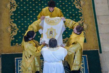 12 июля. Божественная литургия в Александро-Невском кафедральном соборе (фото Александра Чурбанова)